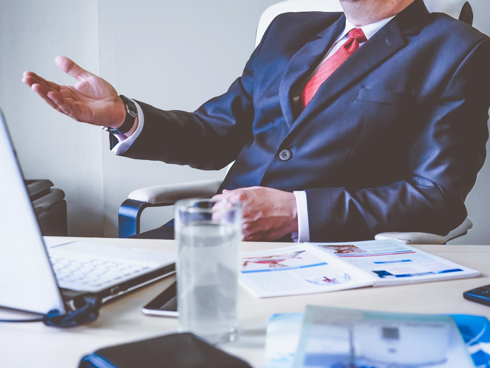 brokers confidence vanity metrics