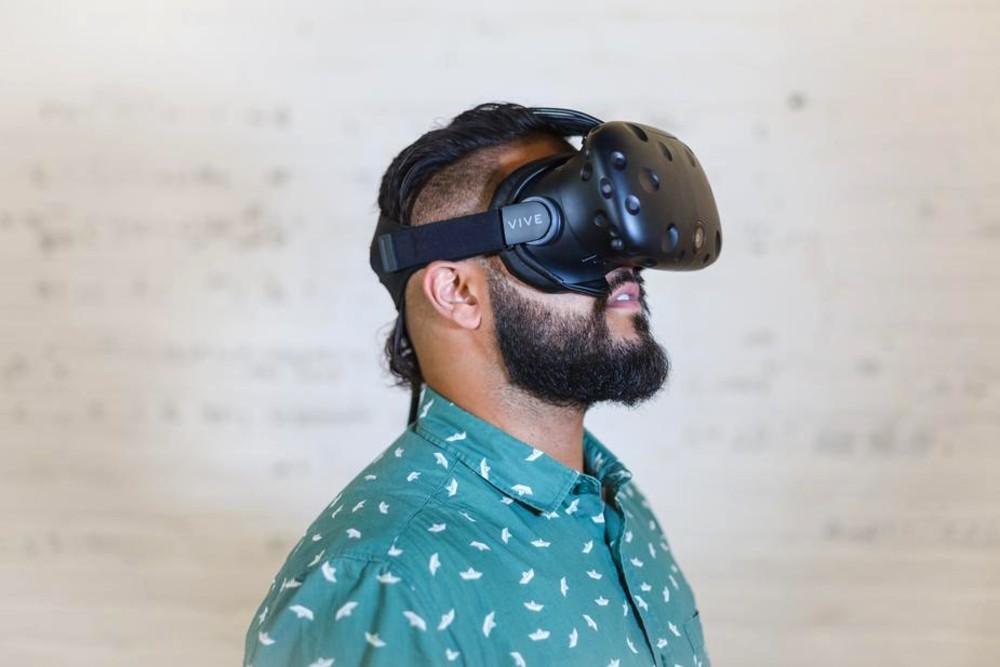 VR housing