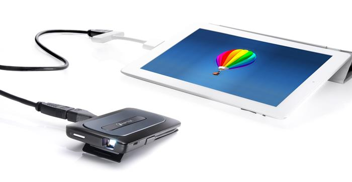 Ios android accessory turns devices into a multi media for Best mini projector for ipad