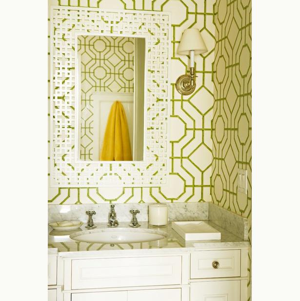 graphic pattern bathroom
