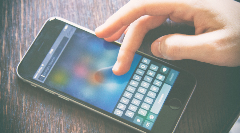 smartphone typing social