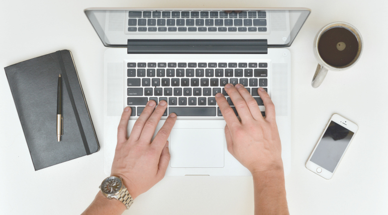 tech jobs desk clean declutter job hunting finesse