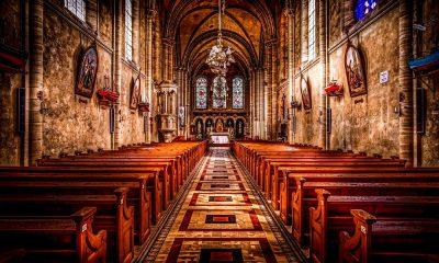 Religion empty pews