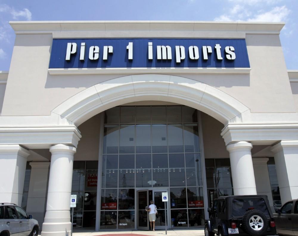 pier 1 closes